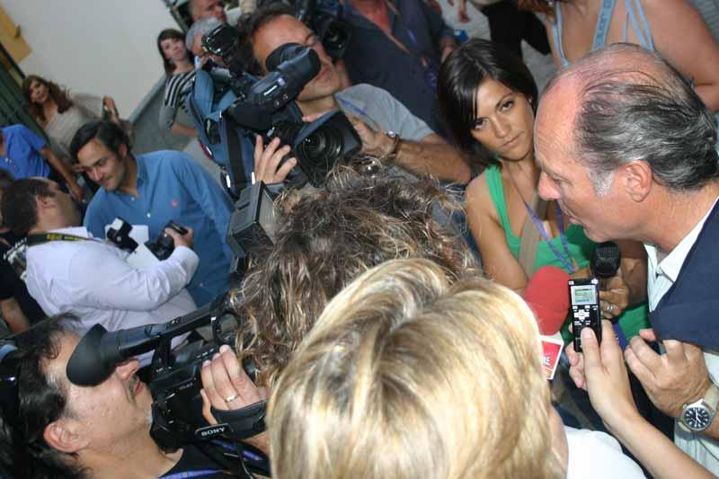 Expectación de los medios de información alrededor de José Manuel Soto.