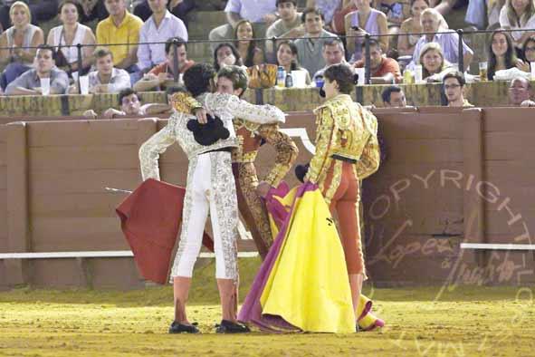 Brindis de Brandon Campos a sus compañeros y rivales. (FOTO: López-Matito)