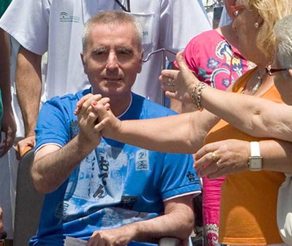 Ortega Cano, muy desmejorado de salud, sale este mediodía del hospital Virgen Macarena de Sevilla. (FOTO: burladero.com)