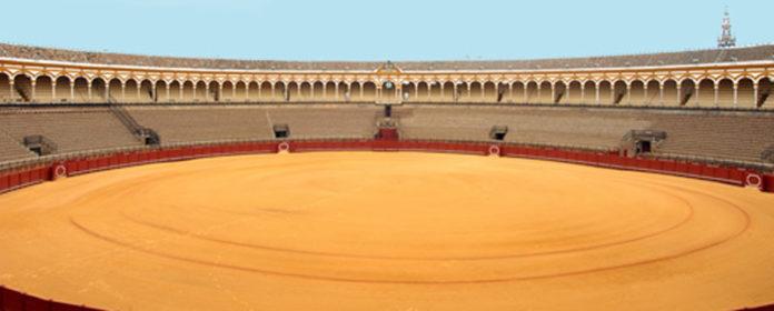 La plaza de la Maestranza deberá cubrirse si quiere acoger la final de la Copa Davis.