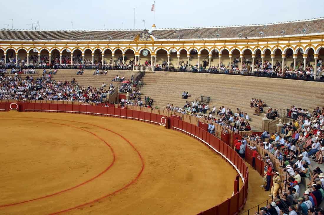 Algo más de media plaza cubierta. (FOTO: Javier Martínez)