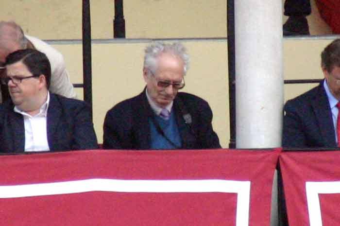 El veterano crítico taurino Andrés Amorós, autor de las crónicas del diario ABC.