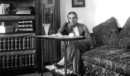Juan Belmonte, en su casa sevillana hacia 1910. (FOTO: EFE)