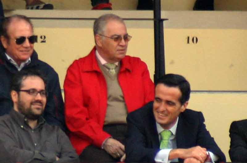 Eugenio Gil, ya sin responsabilidades en la empresa, disfutando del festejo