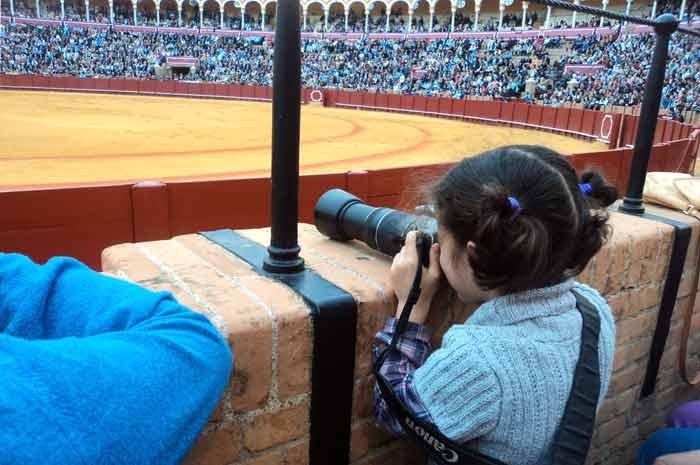 Una precoz fotógrafa taurina.