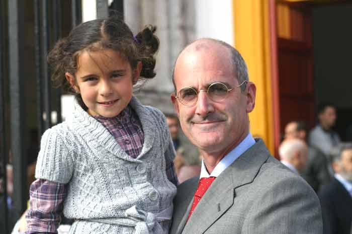 Ignacio Cossío y la joven aficionada Cristina Mateos.