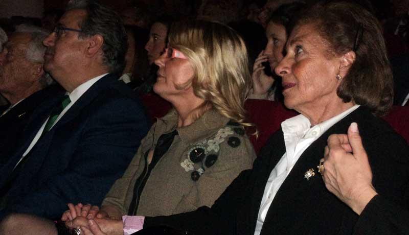 Rocío, viuda de Diego Puerta, emocionada.
