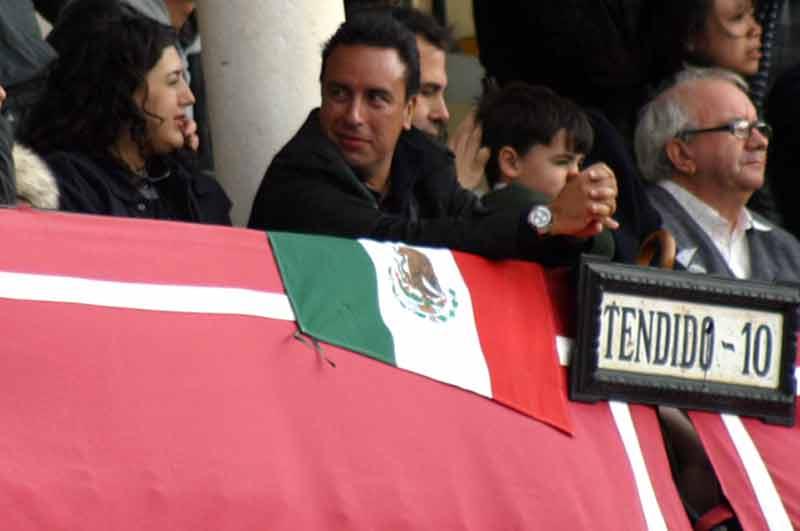 Un compatriota mexicano de Diego Silveti apoyando al 'manito'.