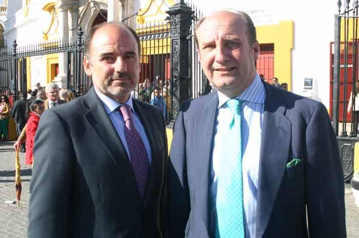 El registrador Ignacio Madrid y el abogado Joaquín Moeckel.