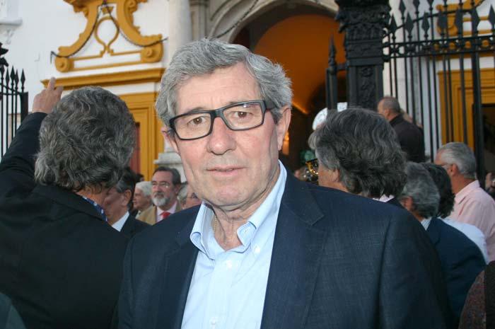 El apoderado valenciano Santiago López.