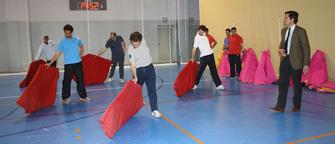 Dávila Miura dirige una sesión de entrenamiento taurino-deportivo.