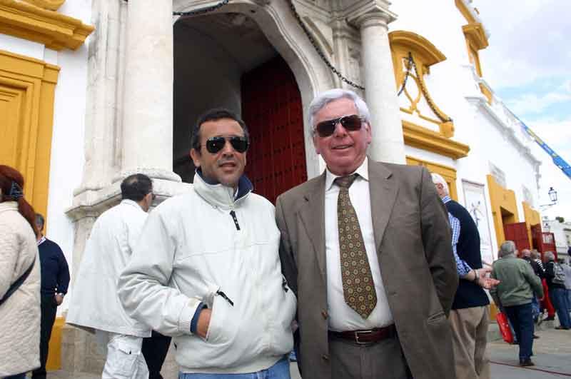 Domingo Valderrama y el ganadero Manuel Bajo.