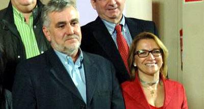 El viceconsejero de Gobernación y Justicia de la Junta, Juan Jesús Jimñenez, junto a la controvertida delegada de la Junta en Sevilla, Carmen Tovar, ambos en funciones.
