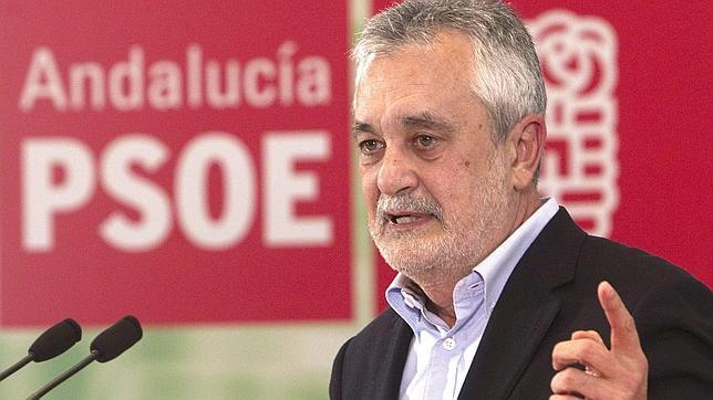 Los abonados exigen a Griñán que fije la posición de la Junta respecto a los toros tras la entrada en coalición con IU-Los Verdes.