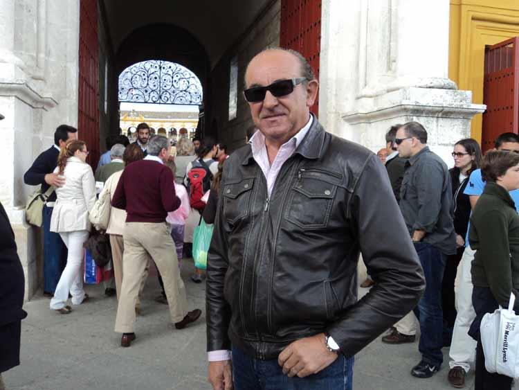 El apoderado Manuel Tornay.