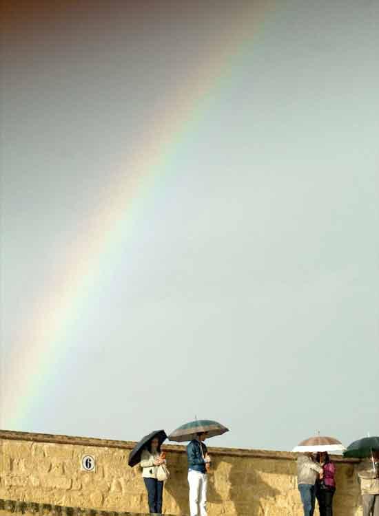 Arco iris en el horizonte.