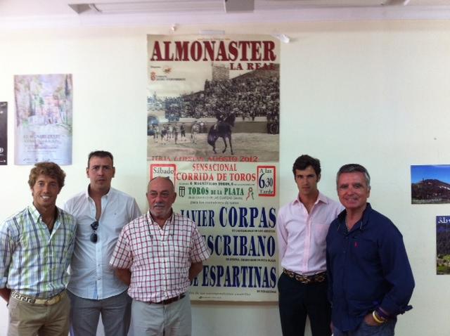 Los diestros Manuel Escribano y Agustín de Espartinas, en el acto de presentación del cartel de Almonaster la Real.