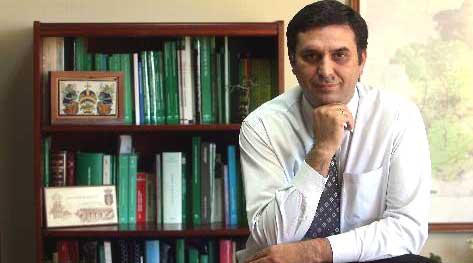 El nuevo delegado de la Junta de Andalucía en Sevilla, Javier Fernández. (FOTO: El Correo de Andalucía)