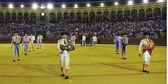 Excelente asistencia de público a las novilladas de promoción. (FOTO: lamaestranza.es)