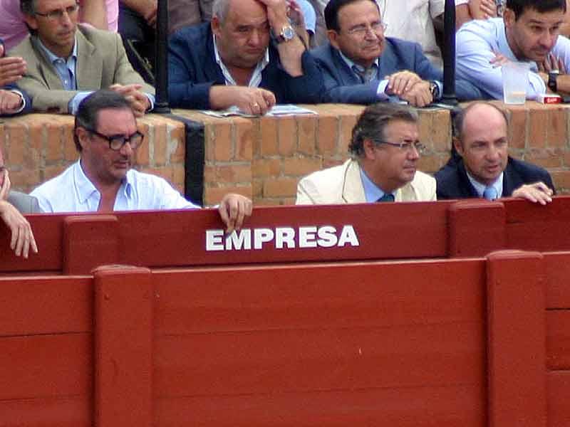 Carlos Herrera, el alcalde Juan Ignacio Zoido y Juan Pedro Domecq.