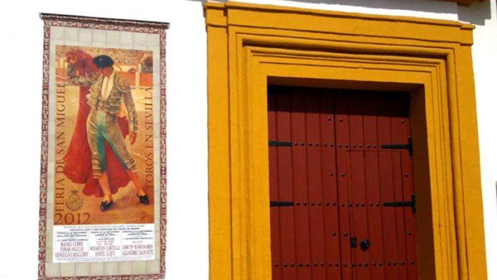 El cartel de San Miguel, con la gran lámina dedicada a la figura de Joselito 'El Gallo'. (FOTO: Javier Martínez)