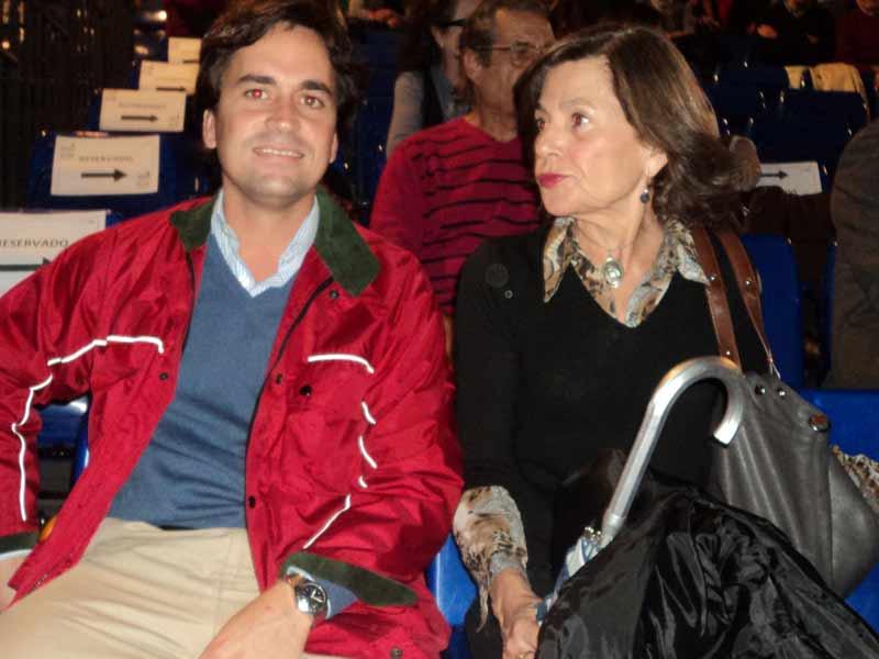 Armando Dávila Miura y Reyes Miura, hermano y madre del torero Eduardo Dávila Miura.