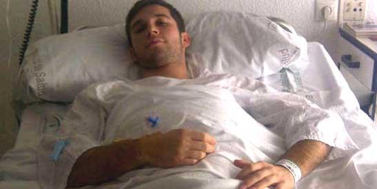 El novillero Curro Durán tras ser operado de la rodilla. (FOTO: Sevilla Taurina)