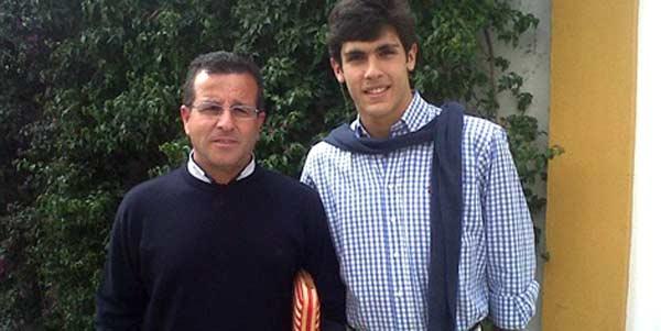 Domingo Moya y el novillero sevillano Alejandro Pavón.