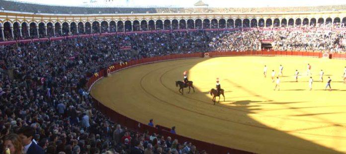 Varios causas han conducido a un momento difícil para la Fiesta en Sevilla. (FOTO: Javier Martínez)
