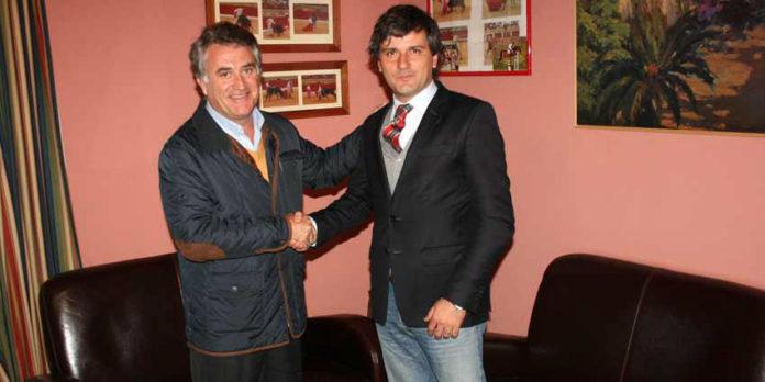 El teniente de alcalde de Espartinas, Javier Jiménez, y el empresario onubense Jorge Buendía.