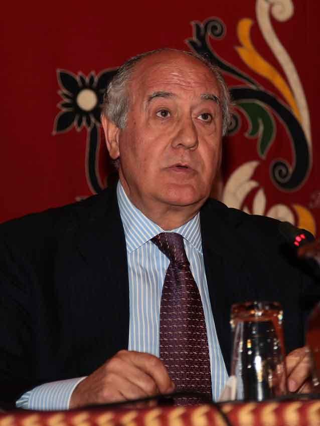 Ramón Valencia.