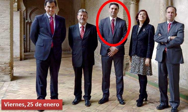Viernes, 25 de enero: La Junta envía una primera foto del delegado con los recién nombrados presidentes de la Real Maestranza.