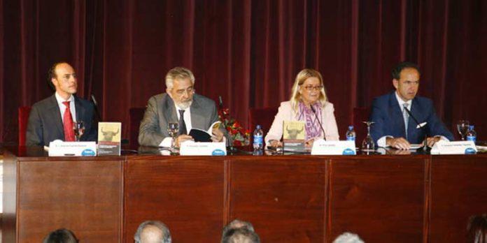 Prsentación del libro 'Comentarios al 'Reglamento Taurino de Andalucía'.