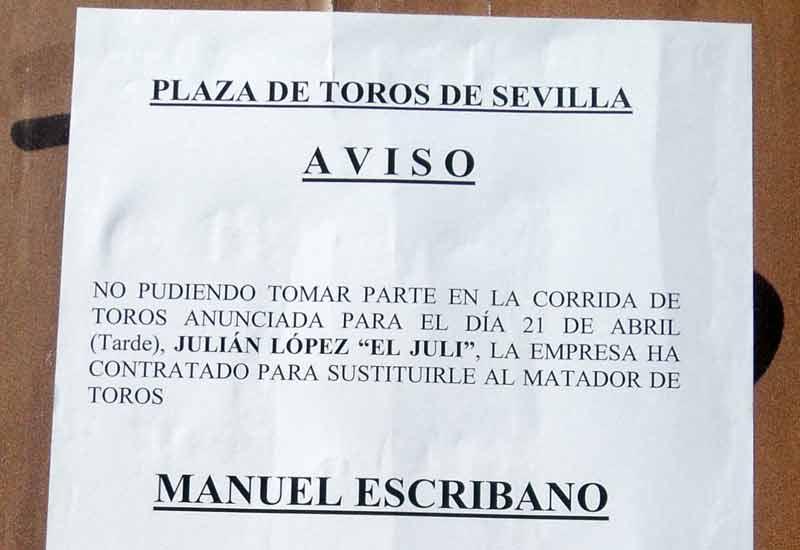 El aviso de la sustitución de El Juli por Escribano, con plaza llena; un 'tacazo' para la empresa. ¿Dirá Ramón Valencia cuánto ha ganado en la de Miura? (FOTO: Javier Martínez)