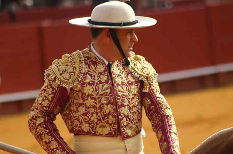 Los picadores también cuidan el bordado de sus chaquetillas, con diseños tan trabajados como este.
