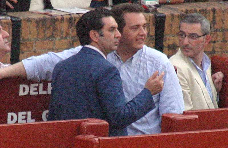 El delegado de la Junta, Javier Fernández, y su fiel e inseparable asesor.