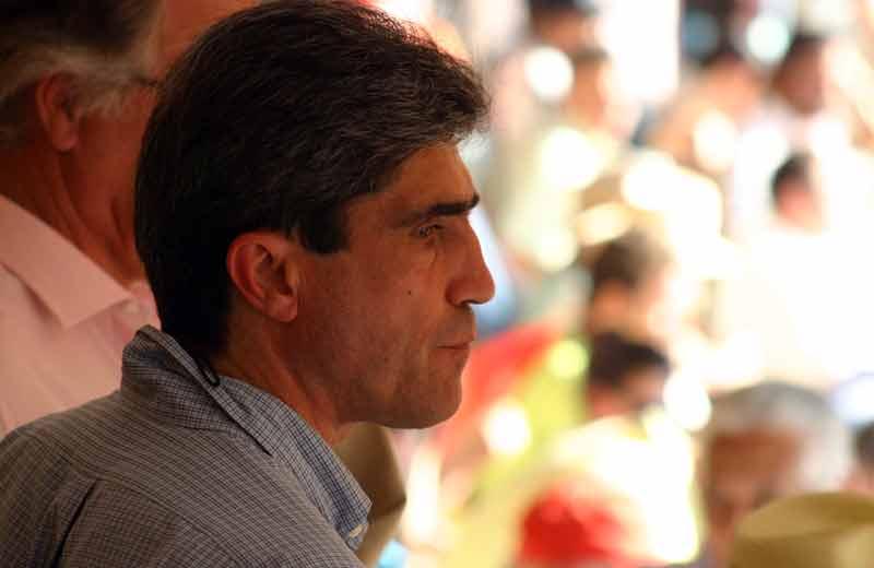 El sevillano Emilio Muñoz atento al ruedo.