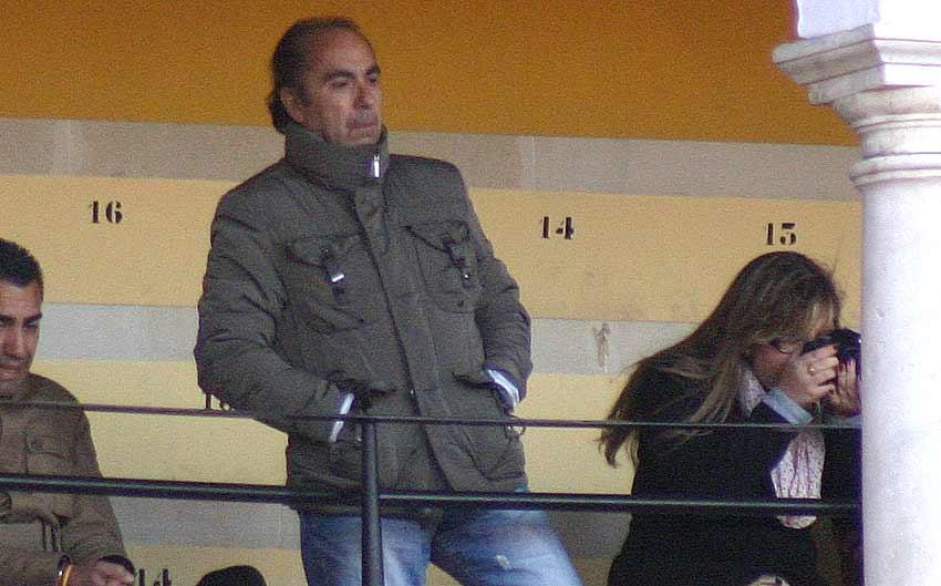 Nuestro compañero Manuel Viera, bien abrigado para soportar el intenso frío.