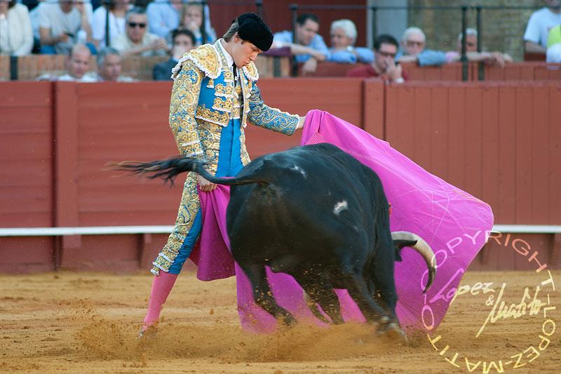 Juan Leal.
