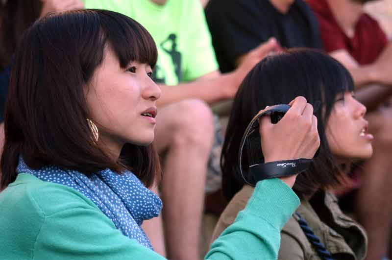 No podían faltar hoy un buen número de turistas orientales, cámara en mano.