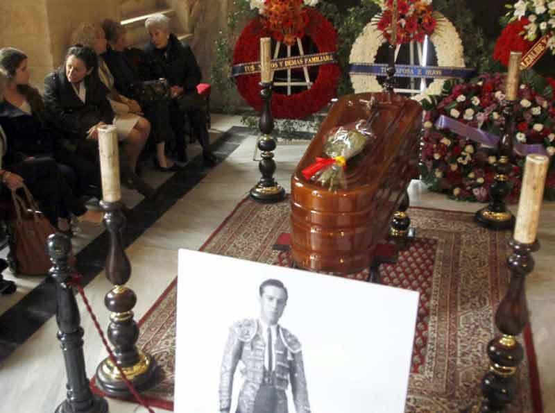 Capilla ardiente de Pepe Luis Vázquez.