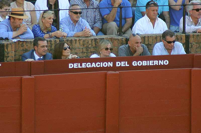 El delegado de la Javier Fernández no estuvo, pero sus 'sustitutas' encantadas.