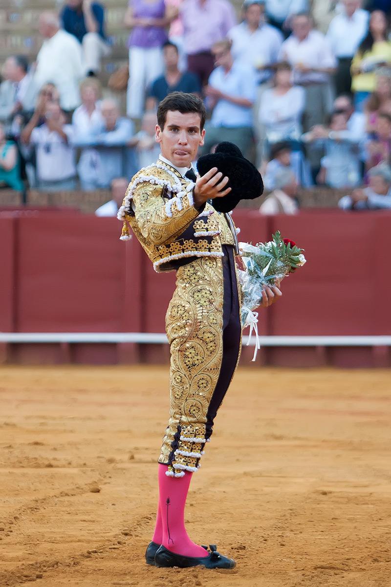 Tomás Campos saluda hoy en la Maestranza. (FOTO: lopezmatito.com)
