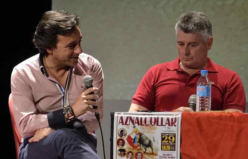 El periodista Francisco Mateos y Pepe Manfredi.