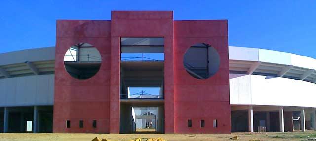 Fachada de la plaza de toros de Utrera.