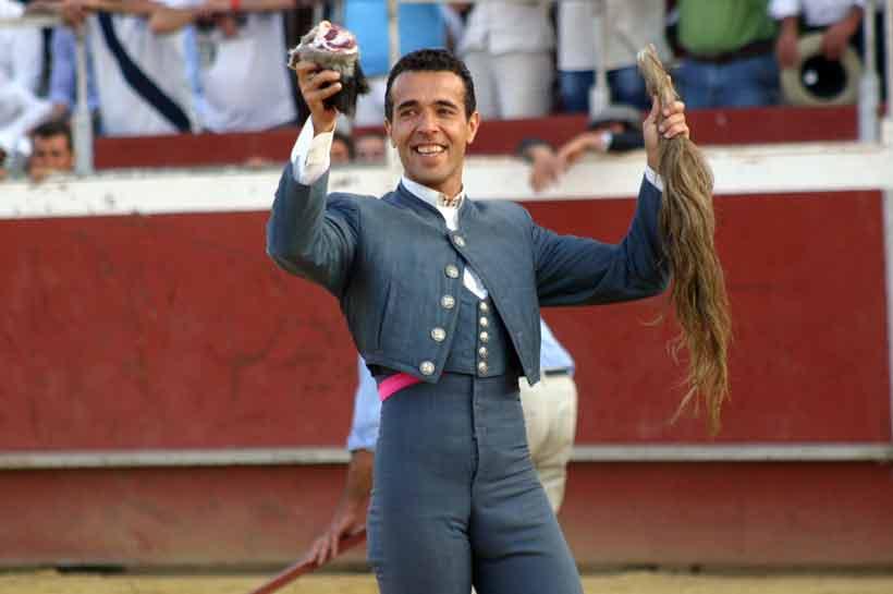 Víctor Puerto.