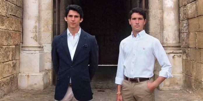 Los dos novilleros utreranos que participan en las novilladas de promoción de la Maestranza este año: Fernando González y Daniel Araujo. (FOTO: lopezmatito.com)
