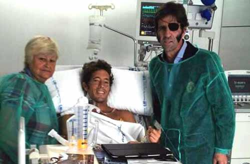 Manuel Escribano ha recibido en la UCI la visita de la torera Ángela y Juan José Padilla.