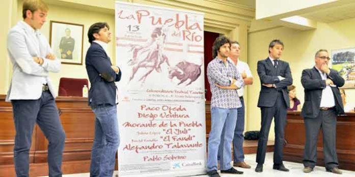 Presentación esta mañana del cartel del festival taurino de La Puebla del Río.