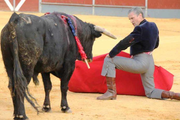 Espartaco toreó en el festival de La Puebla del Río, hace dos temporadas. (FOTO: lopezmatito.com)